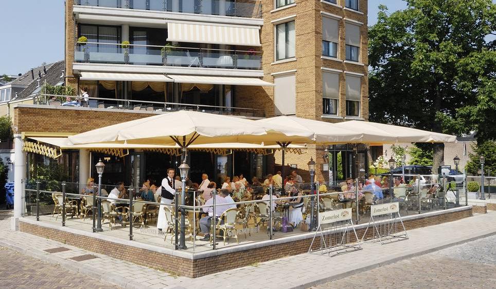 Locatie zomerlust brasserie restaurant for Lay outs terras van het restaurant